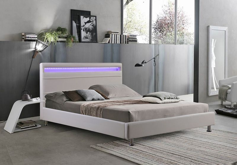 Letto Matrimoniale Di Design In Ecopelle.Letti Matrimoniali Letto Matrimoniale In Ecopelle Moderno Bianco